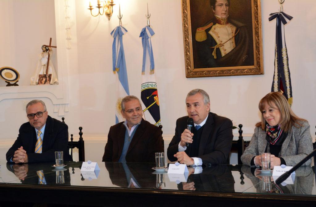 270417 Gobernador Morales Entega Subsidio 2